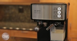 This Mr. Coffee makes cafe drinks in robotic fashion